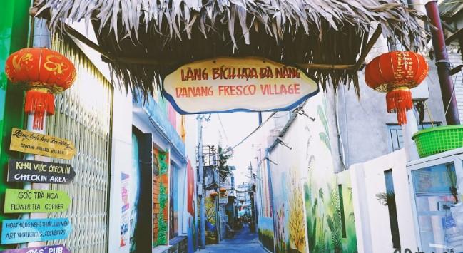 địa điểm du lịch đà nẵng - làng bích họa