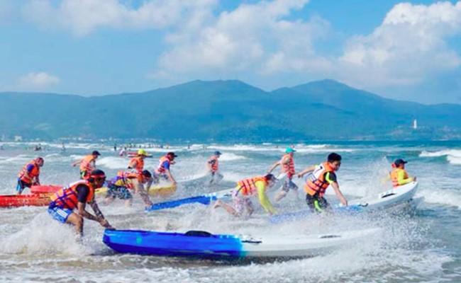 Mùa hè sối động trên biển Đà Nẵng