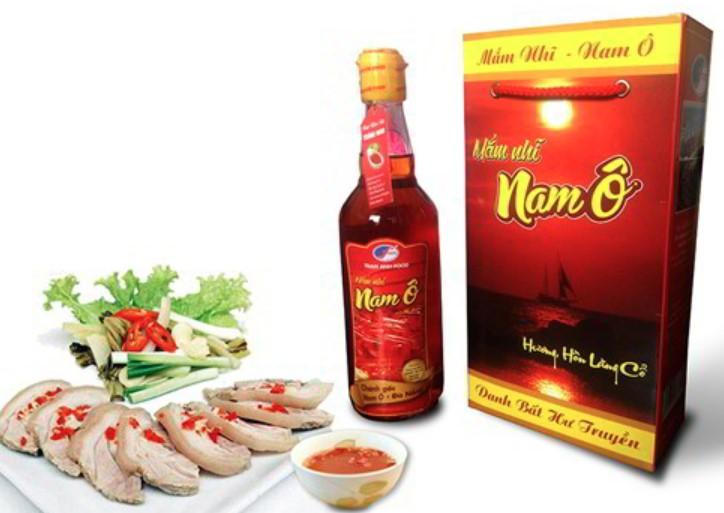 nước mắm nam ô - đặc sản Đà Nẵng làm quà